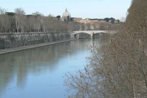 Ponte Sisto Ponte Sisto is a footbridge in Rome's historic centre,