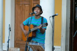 Singer on Independencia Plaza