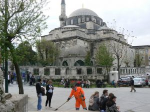 Turkey, Istanbul - mosque and tourists