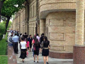 Uzbekistan: Tashkent Students coming and going from class at the Tashkent Law