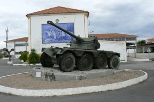 Portugal, Estremoz: old tank in cavalry base camp court