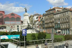 Portugal, Porto City: train station (red) and war memorial